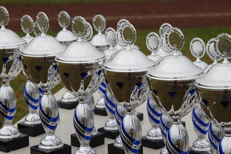 trophies トロフィー 受賞 アワード award